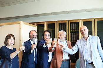 Nella foto (da destra): il neoletto preside Paolo Marchetti, il prof. Stelio Mangiameli, il prof. Alberto Zito, il rettore Dino Mastrocola e la prof. Alessandra Giunti