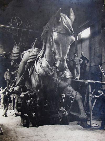 Enrico Chiaradia - Emilio Gallori, Monumento equestre a Vittorio Emanuele II