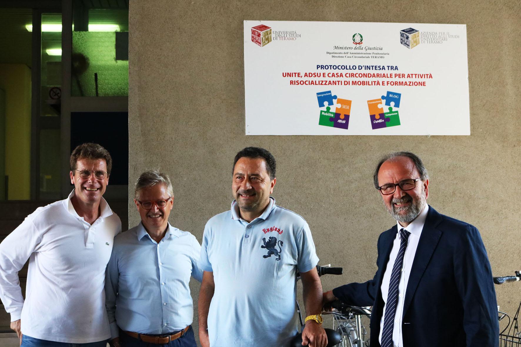 Nelle foto da sinistra: il presidente dell'Adsu Paolo Berardinelli, il direttore dell'Adsu Antonio Sorgi, il direttore della Casa circondariale di Castrogno Stefano Liberatore, il rettore dell'Università di Teramo Dino Mastrocola.