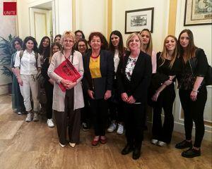 """La senatrice Elena Cattaneo ha incontrato le studentesse di """"Reproductive Biotechnologies"""""""